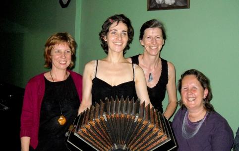 Taller de verano, junto a Andrea Lehmann, Brigitte Reepmaker y Lía Tummer, Argentina, 2012